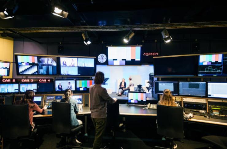 コロナでテレビ業界もテレワーク化!実態とその感想を現場務めの26歳が語ります